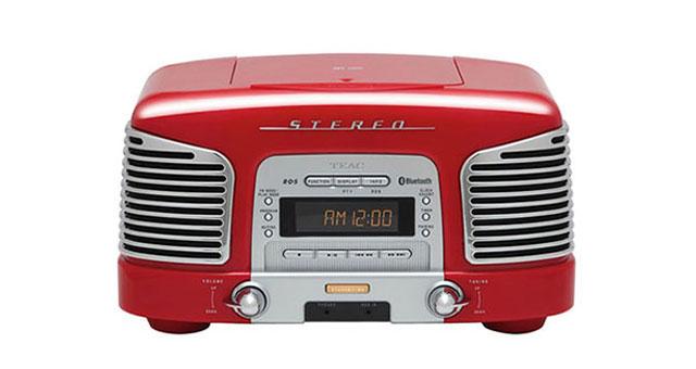 TEAC-ov SL-D930 mini sustav retro izgleda: CD i radio uz Bluetooth vezu
