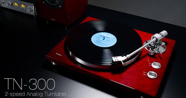 TEAC TN-300 gramofon sa ugrađenim fono predpojačalom