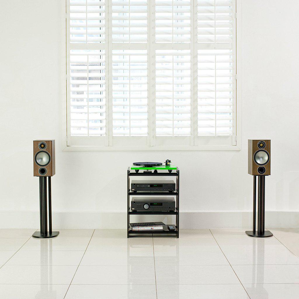 02 Monitor Audio Bronze 2 lifestyle