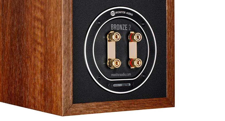 02 Monitor Audio Bronze 2 straga