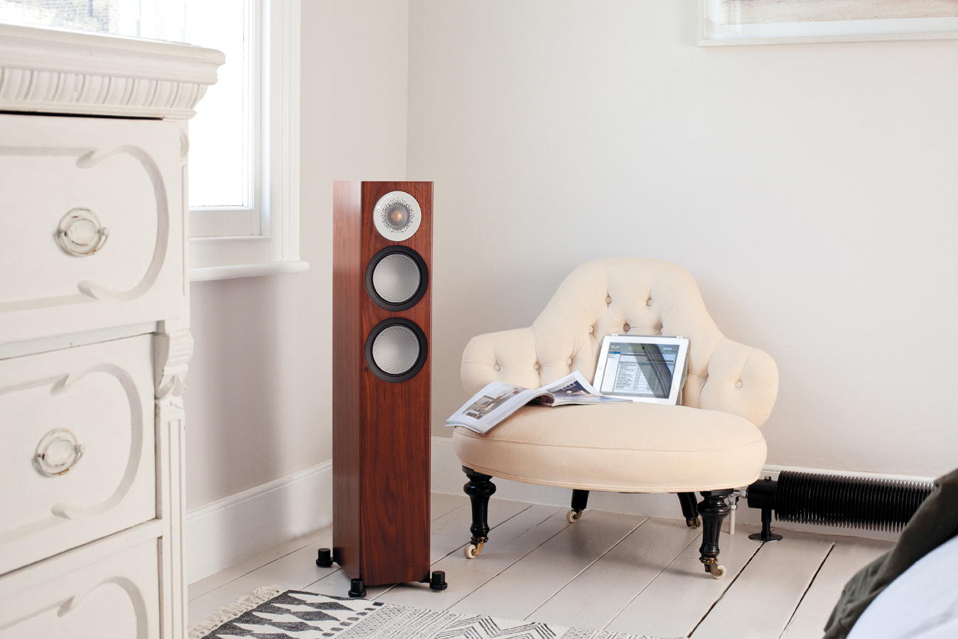 03 Monitor Audio Silver 200 lifestyle