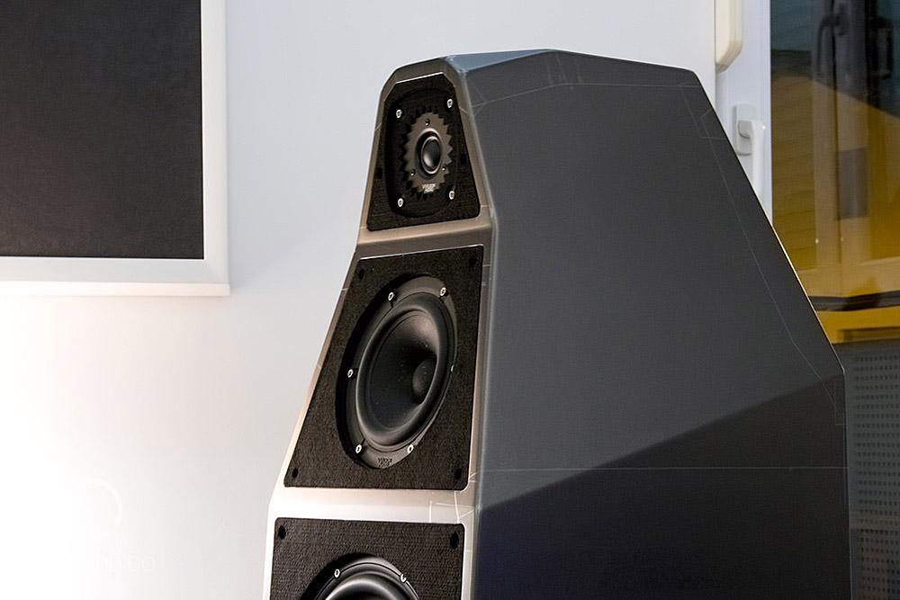 Wilson-Audio-Yvette-02