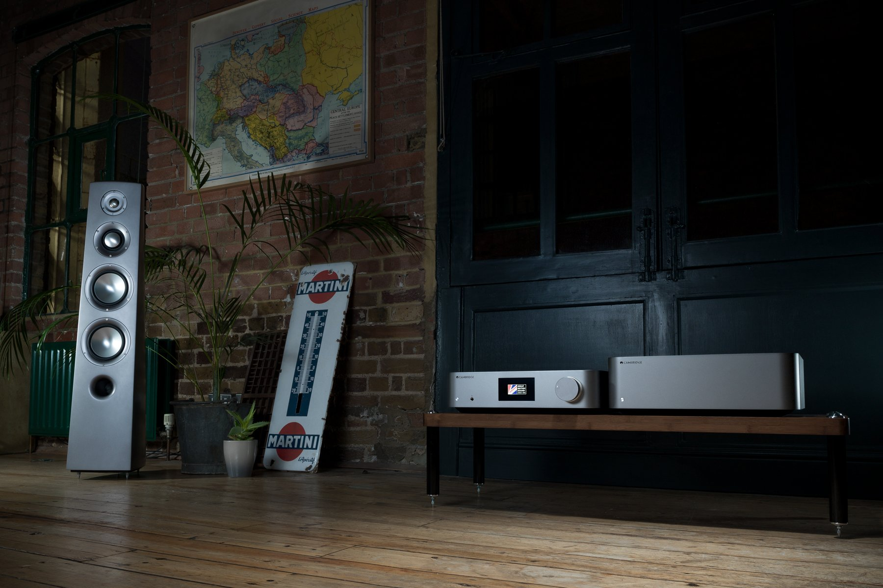 Cambridge Audio Edge NQ W lifestyle4