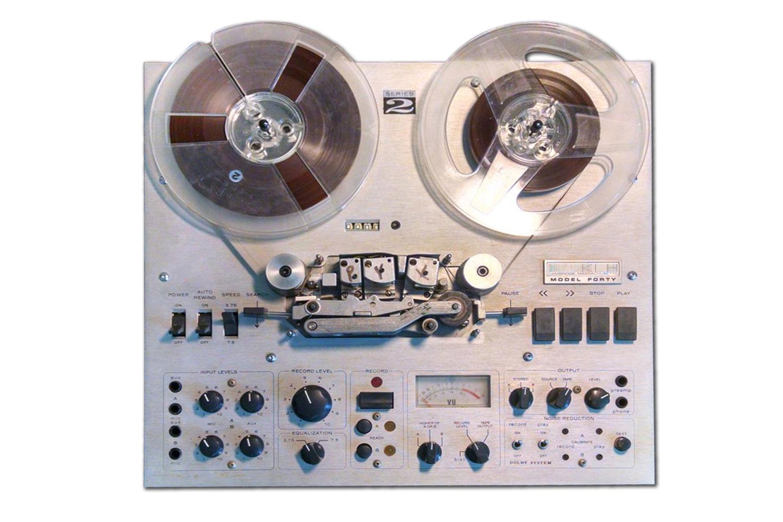 KLH model 40 magnetofon