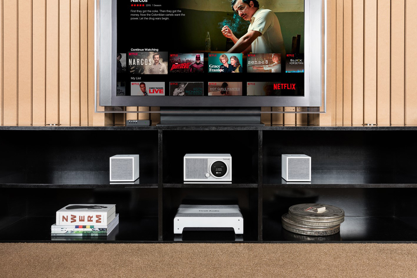Tivoli ART Collection TV lifestyle