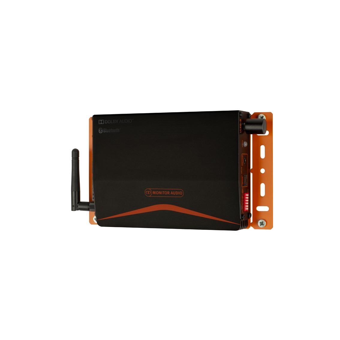 Monitor Audio IA40-3 na zidu